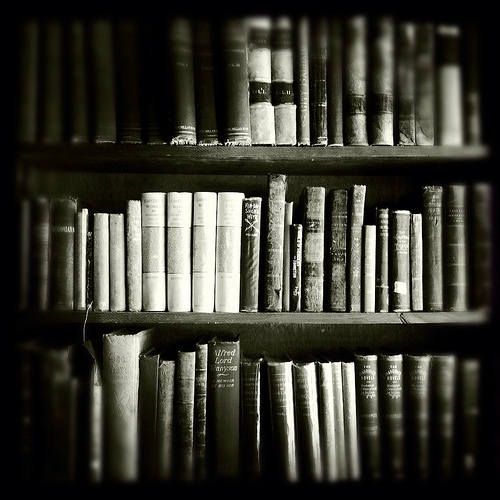 black-and-white-books-life-love-Favim.com-496881