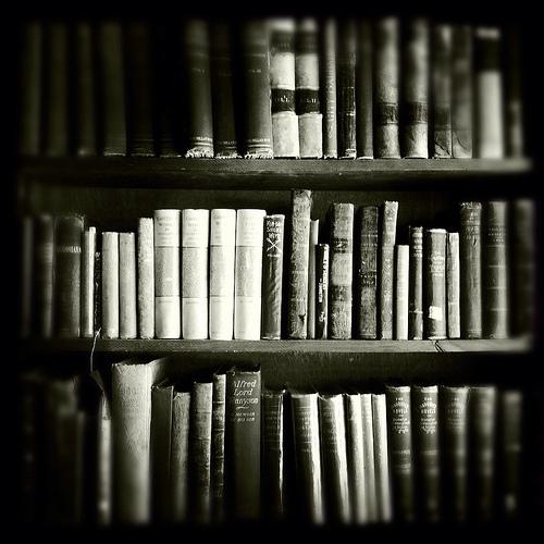 black-and-white-books-life-love-Favim.com-496881